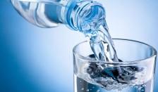 El-consumo-de-agua-embotellada-en-plastico-deja-huella